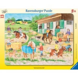Ravensburger Lovasudvar ramapuzzle 17 db