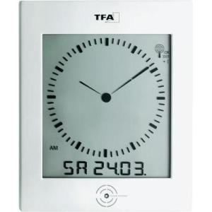 TFA Analóg rádiójel vezérelt falióra pára- és hőmérővel, 220 x 265 x 31 mm, TFA 60.4506
