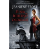 Jeaniene Frost A sír innenső oldalán