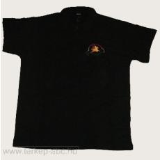 Hímzett Bulcsú vezér galléros fekete póló (elől és hátul hímzett) S