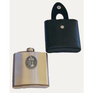 Ón címeres ezüst színű rozsdamentes flaska 170 ml műbőr tokkal