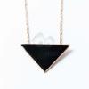 Arany bevonatos háromszög medálos nyaklánc fekete jwr-1379