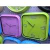 Óra, vegyes színekben, négyzet (1db)