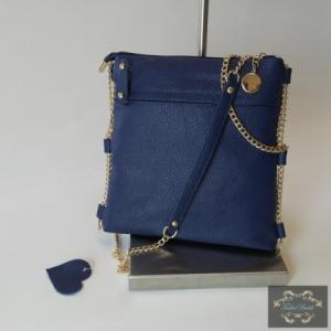 Kék kistáska