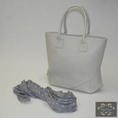 Törtfehér táska