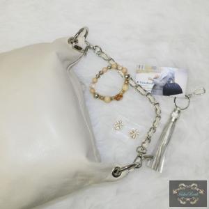 Bézs láncos kézipántos táska