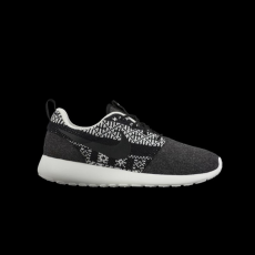Nike Nike Womens Roshe One Winter Black