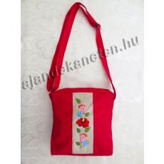 Piros táska hímzett virág motívummal, 22 cm