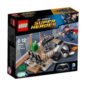 LEGO SUPER HEROES Hősök viadala Batman vs Superman 76044