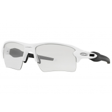 Oakley OO9188 51 FLAK 2.0 XL POLISHED WHITE CLEAR TO BLACK PHOTOCHROMIC napszemüveg
