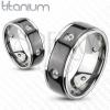 Titánium gyűrű - fekete sáv, cirkóniák