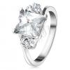 Gyűrű ezüst színben, téglalap átlátszó cirkóniával, hármas apró cirkóniák