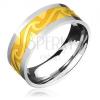 Acélgyűrű két színben - arany színű sáv, felkorbácsolt hullámok