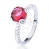 Gyűrű 925 ezüstből - kitüremlő piros kerek cirkónia, kisebb kövek az oldalán