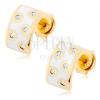 375 arany fülbevaló - félkör fehér fénymázzal fedve, átlátszó cirkóniák és fényes szélek