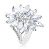 Ezüst színű gyűrű, nagy virág cirkóniákból kirakva