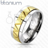 Titánium karikagyűrű - aranyozott cikkcakk mintázat