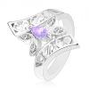 Gyűrű ezüst színben, ívelt díszített szárak, színes pillangó