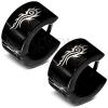 Fekete kerek fülbevaló 316L acélból, fényes felület, tribal minta