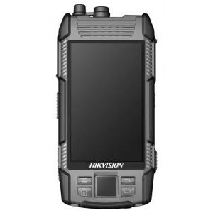 Hikvision DS-6102HLI-T 2 csatornás hordozható hibrid DVR; beépített 13 MP kamera