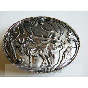Ovális ezüst szarvas, ezüst háttérrel övcsat