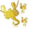 Acél szett arany színben, bedugós fülbevaló és medál, Skorpió