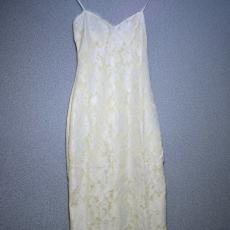 Vajszínű-fehér csipkés ruha- Egy méret
