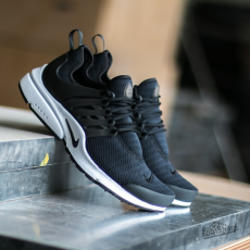 Nike Wmns Air Presto Black/ Black-White