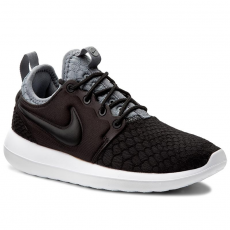 Nike Cipők NIKE - W Roshe Two Se 881188 Black/Black/Cool Grey/White