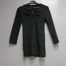 Fekete fűzős hosszú ujjú ruha - Egy méret