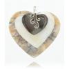 Csiszolt kagyló szív medálok, ezüst díszítéssel.
