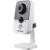 Hikvision DS-2CD2425FHWD-I (2.8mm) 2 MP WDR beltéri fix EXIR IP csempekamera PIR szenzorral