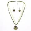 Szalag és bőr nyaklánc kerek medállal és fülbevalóval, zöld