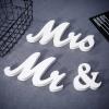 Vintage Mr & Mrs tábla, esküvői dekoráció